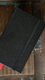 iphone-4-black-book2