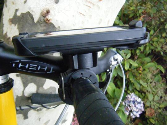 Lifeproof-Iphone-4(s)-Bike-Bar-Mount-Racefiets