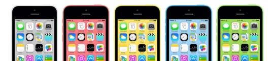 De iPhone 4S, iPhone 5C en iPhone 5S naast elkaar