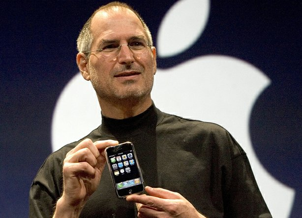 steve-jobs-macworld-2007-iphone (2)