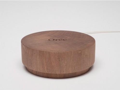 Draadloos opladen met dit houten blok van Kickstarter