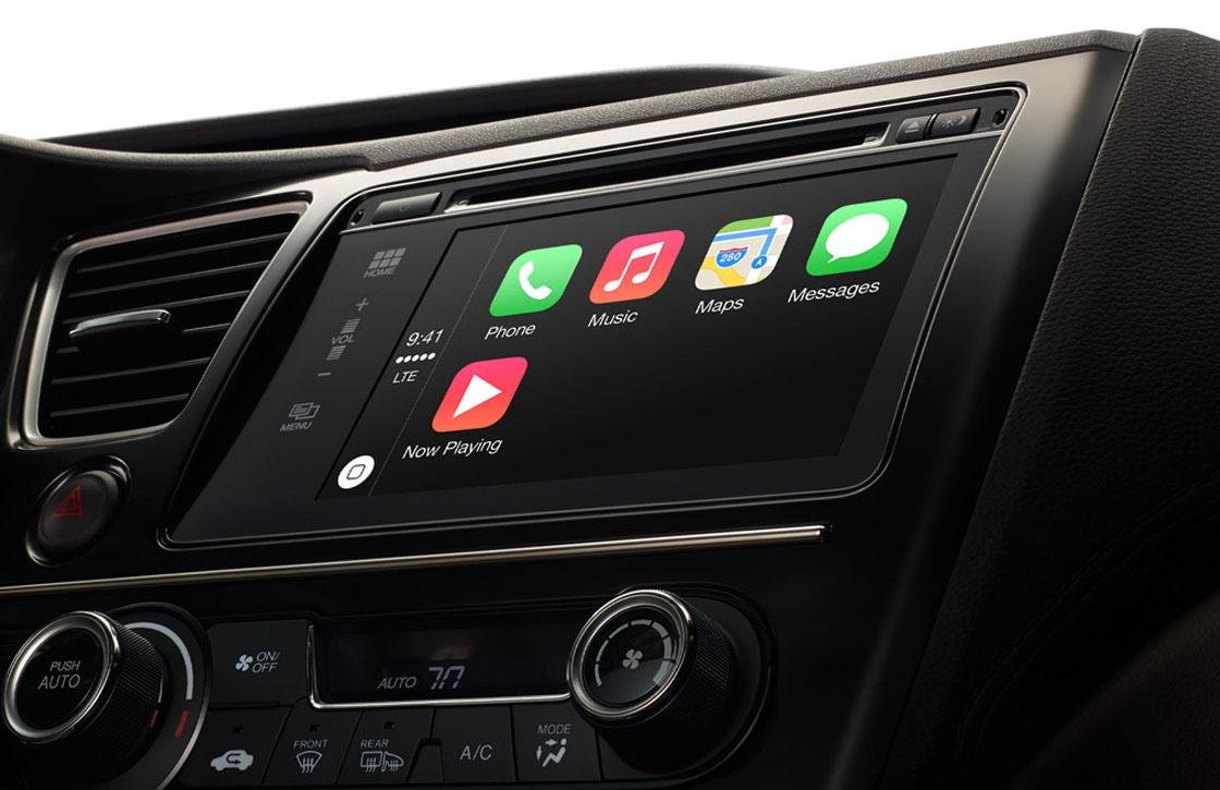Autofabrikanten willen Apples en Googles invloed in de auto aan banden leggen