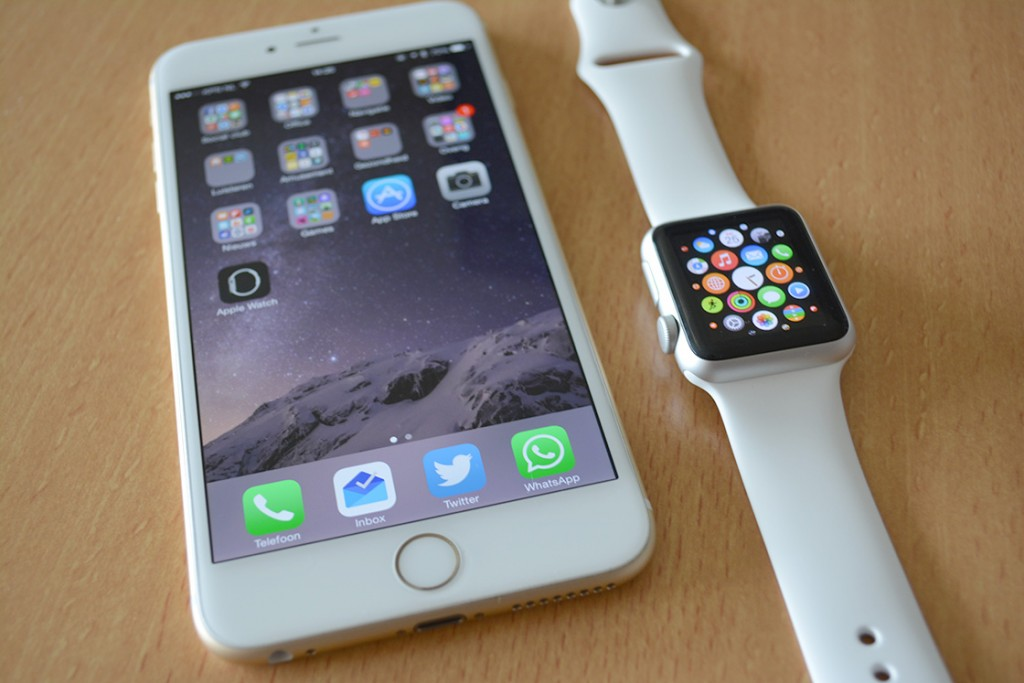 apple watch iphone