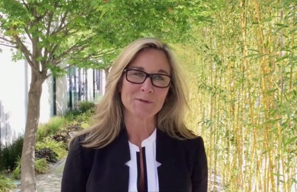 Angela Ahrendts schept duidelijkheid over online verkoop van Apple Watch
