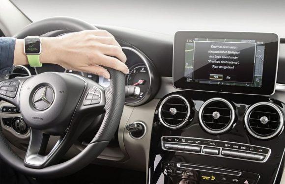 Smartwatchgebruik in de auto niet strafbaar