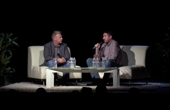 Apple-topman Phil Schiller wijt softwarebugs aan 'slechte week'