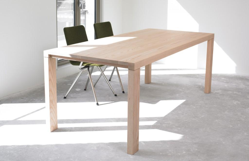 De Essenza-tafel van Arco
