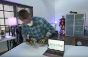 Video: YouTubers zagen roségouden MacBook in tweeën