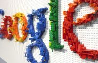 Google en Facebook treffen maatregelen tegen nepnieuws