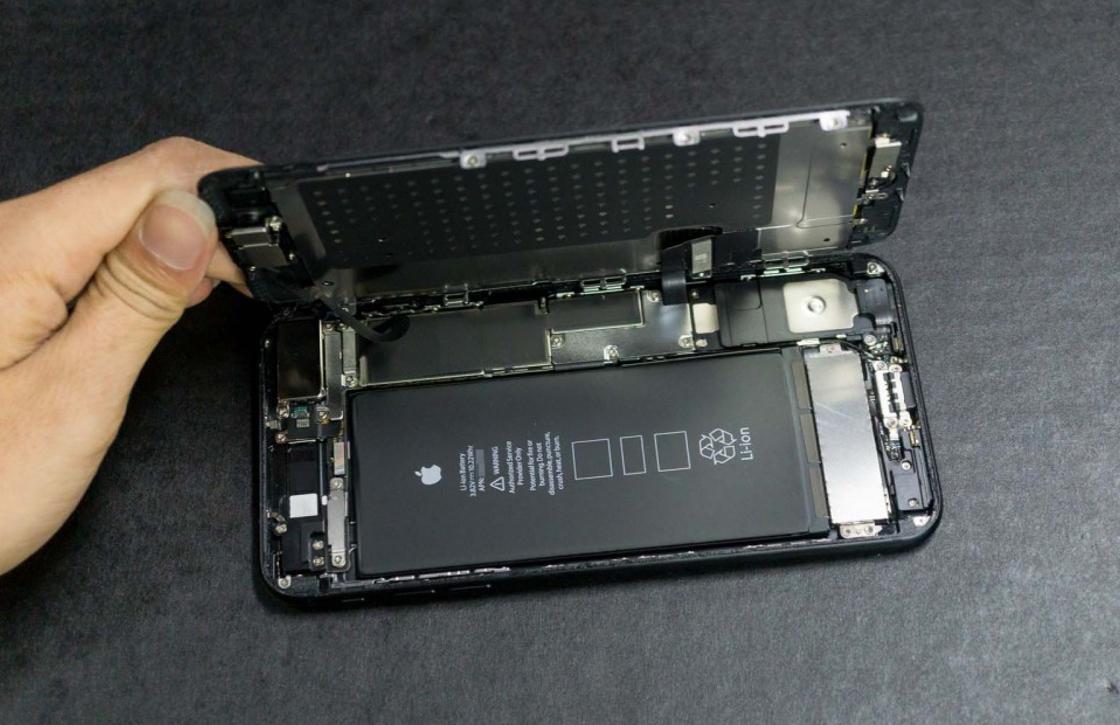 iPhone 7 Plus teardown toont microfoon op plaats van 3,5mm-aansluiting