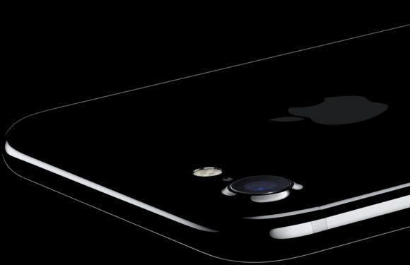 'Apple brengt iPhone met gebogen scherm volgend jaar uit'