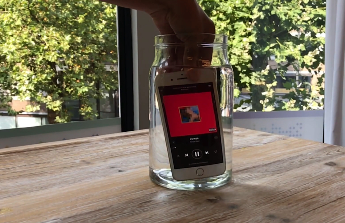 iPhone 7 dive