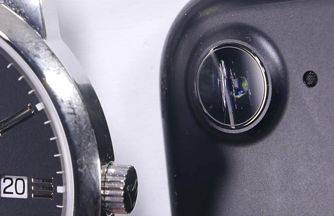 'iPhone 7 cameralens krast sneller door verzwakt saffierglas'