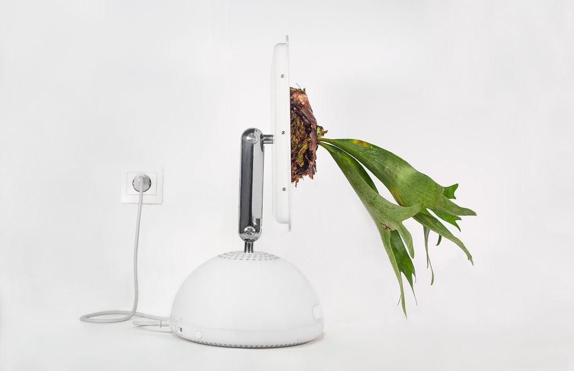 Parijse kunstenaar maakt fraaie plantenbakken van oude Macs