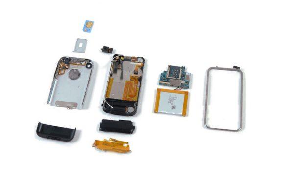 Zo moeilijk was het om de eerste iPhone te repareren
