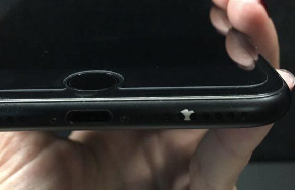 De verf van steeds meer matzwarte iPhone 7's begint los te laten