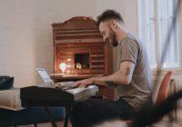Skoove maakt van je iPad een slimme pianoleraar
