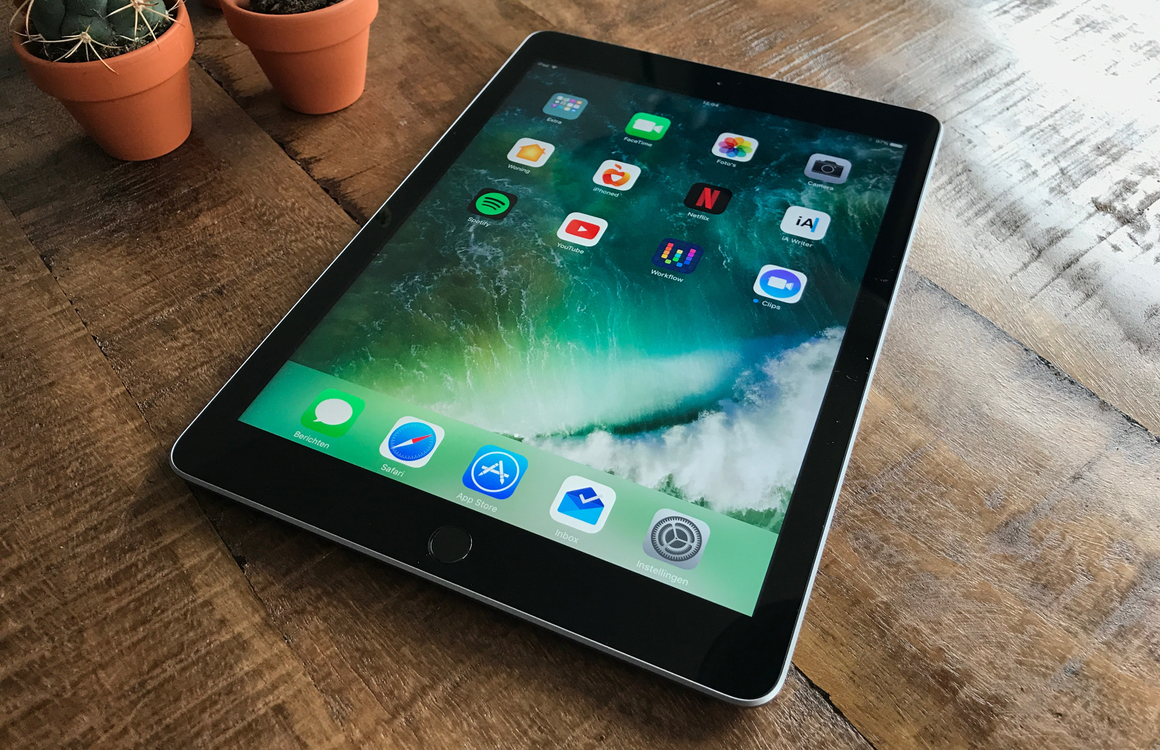 iPad 2017 review
