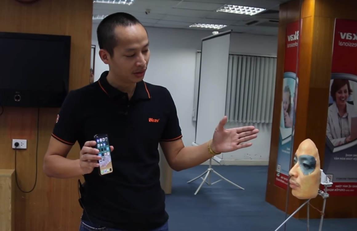 iPhone X met Face ID gefopt door masker uit 3d-printer
