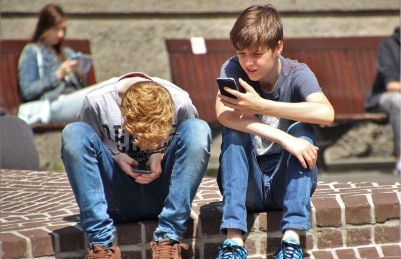 'Apple moet iPhone-gebruik kinderen aan banden leggen' – update