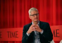 Tim Cook: 'De overheid moet techbedrijven reguleren, voordat er nog meer misgaat'