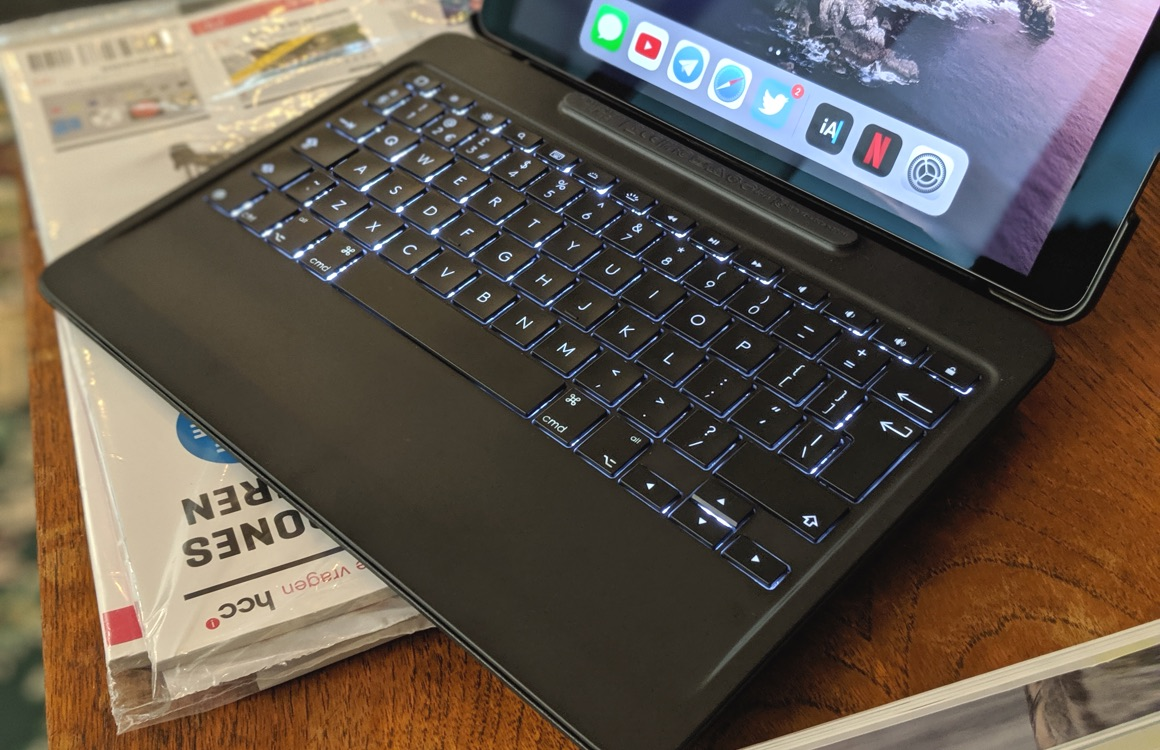 logitech slim combo ipad air 2019 review