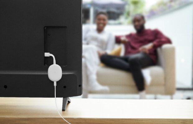 apple tv vs chromecast achterkant tv lifestyle shot