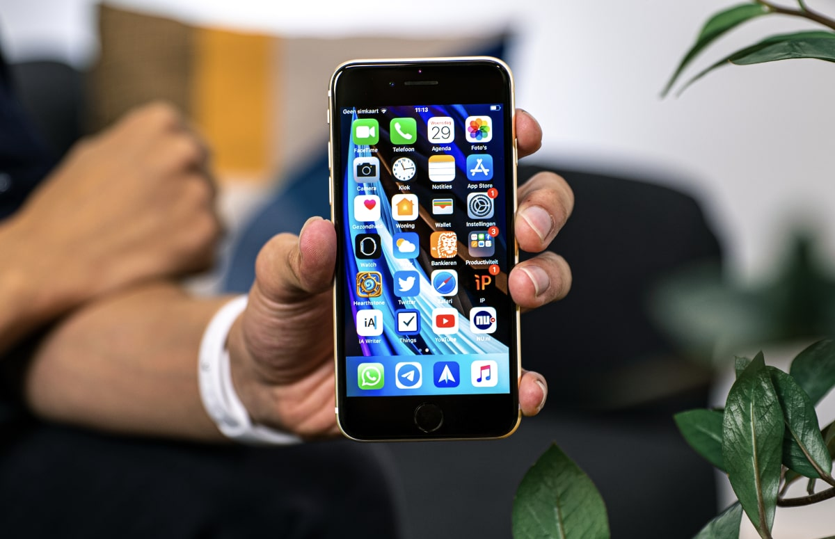 'Nieuwe iPhone SE met 5G en betere chip komt begin 2022'