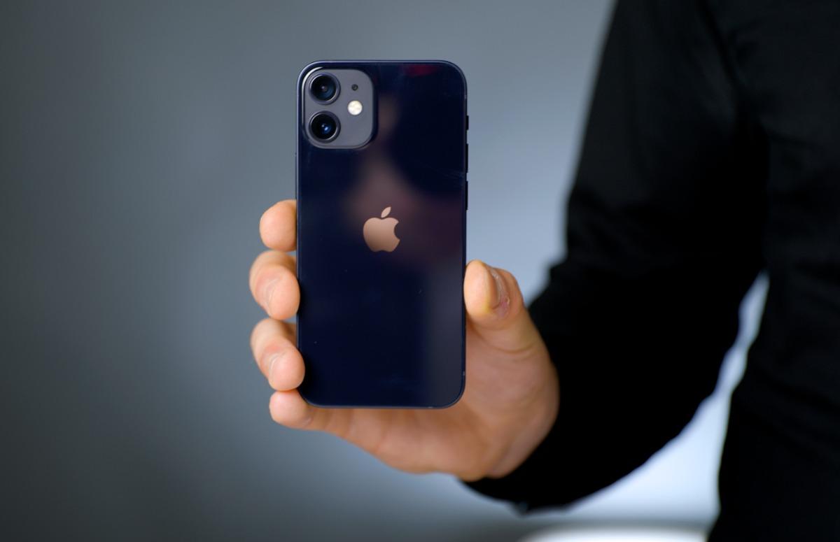 'iPhone 12 mini verkoopt minder goed dan andere iPhone-modellen'