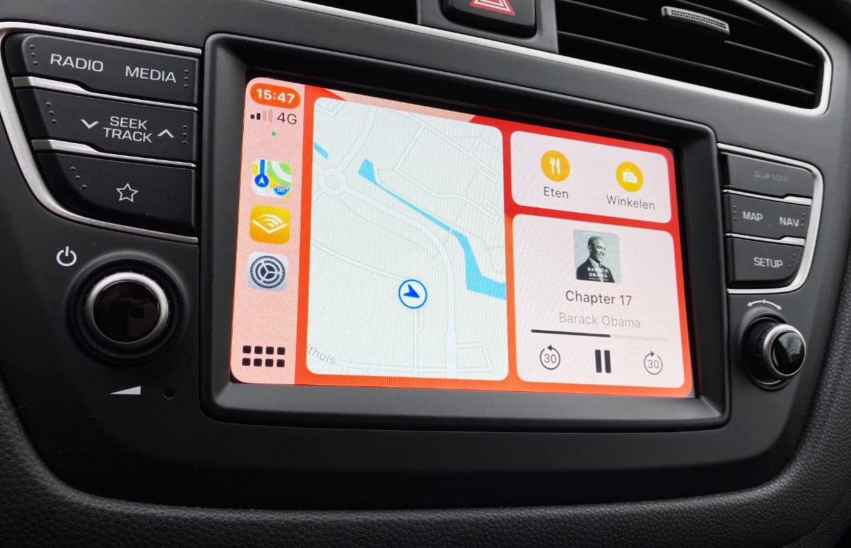 De 5 voordelen van CarPlay versus je iPhone in een houder