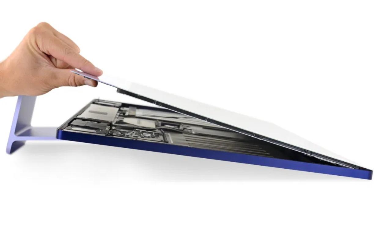 Teardown: nieuwe iMac met M1-chip is heel lastig zelf te repareren