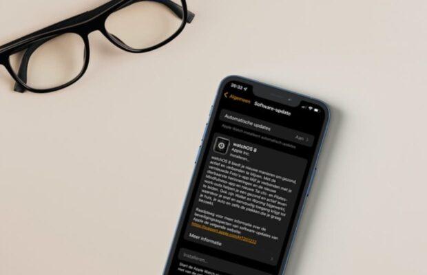 Apple WatchOS 8 update iPhone